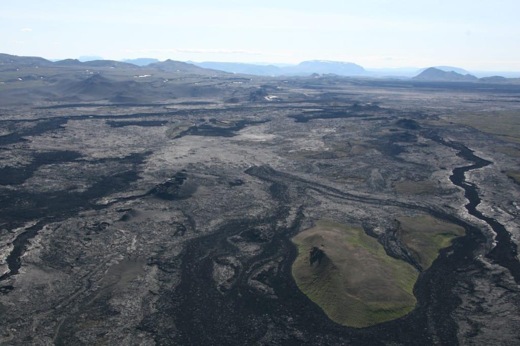 Icelnad lava view